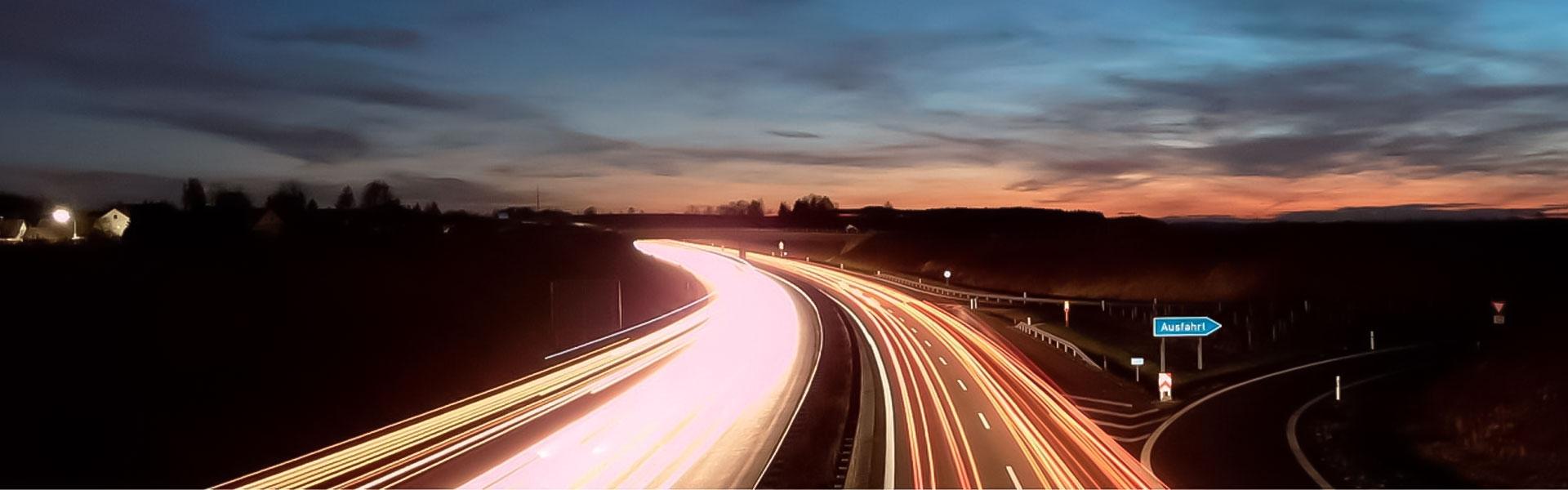 1-ipo-gmbh-greifswald-Ortsumgehungen,-Landes-,-Kreis-,-und-Gemeindestraßen-bis-zu-Busbahnöfen,-Parkplätzen,-Kreuzungen-und-Kreisverkehrsplätzen-sowie-Radwegen